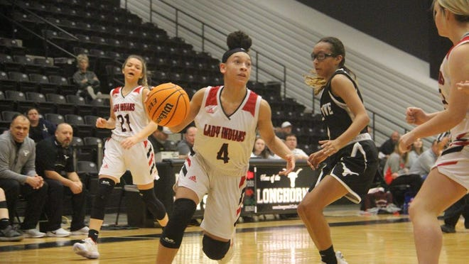 Plainview's Amiya Howard pulls up in transition Thursday morning at the Longhorn Invitational at the Gary Scott Center in Lone Grove.