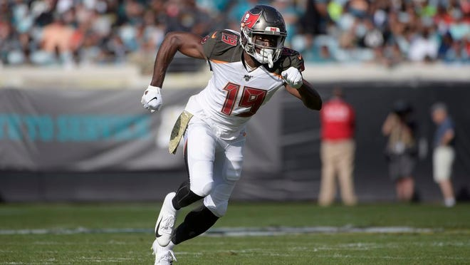 Current Jets and former Tampa Bay Buccaneers wide receiver Breshad Perriman (19) runs a route during the first half of an NFL football game against the Jacksonville Jaguars Sunday, Dec. 1, 2019, in Jacksonville, Fla.