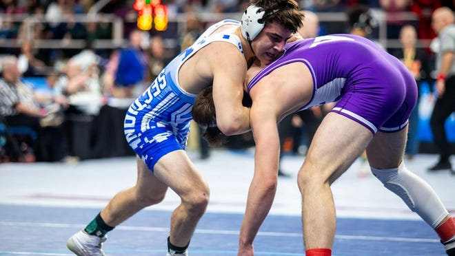 Monroe-Woodbury's Joey McGinty, left, was one win away from the state 152-pound final last year. McGinty is a contender for a berth in this weekend's 160-pound championship.