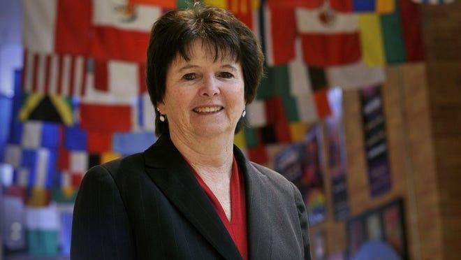 Maureen Binienda