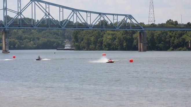 2019 National Speedboat Races at the Ravenswood Ohio River Festival