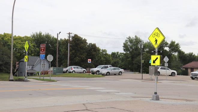A rapid flashing beacon has been installed by the city at the crosswalk of Bridge and Lincoln streets in Redwood Falls.