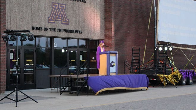 Presidential Council Member Kristin DeJong welcomed her fellow seniors and their families to the ceremony.