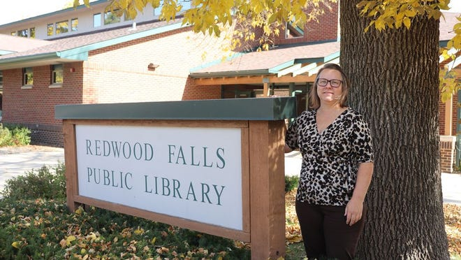After more than six years serving as director of the Redwood Falls Public Library, Teri Smith has retired from that role.