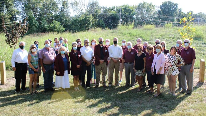 Rolla Area Chamber of Commerce Executive Director Stevie Kearse said the ceremony recognized Kent Bagnall, Earl Bean, Marcia Burns, Caroleen Ferrell, Tonya Greven, Terry Harris, Jim Marcellus, Lonna Sowers, Jim Standfast and Wendy Young.