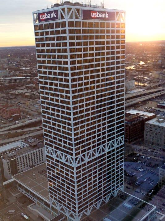 636580227617361807-US-Bank-building.-AX132-09F8-9.JPG