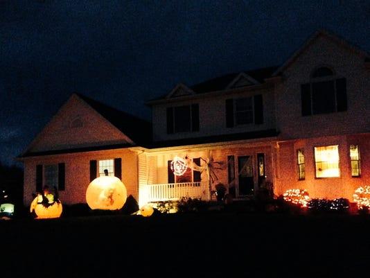 Halloween decorating.JPG