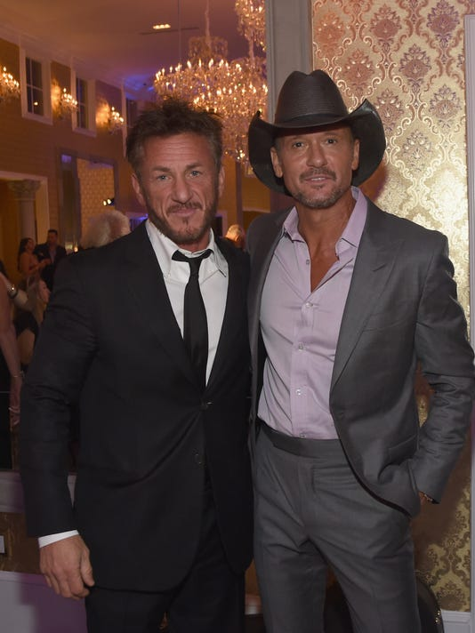 NASHVILLE SHINES FOR HAITI benefitting Sean Penn's J/P Haitian relief organization featuring Tim McGraw