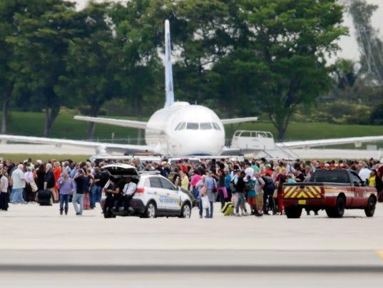 AP APTOPIX AIRPORT SHOOTING FLORIDA A USA FL