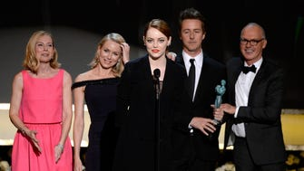 """""""Birdman"""" stars Amy Ryan, Naomi Watts, Emma Stone, Edward Norton and Michael Keaton accept the award for outstanding cast  in a motion picture at the SAG Awards."""