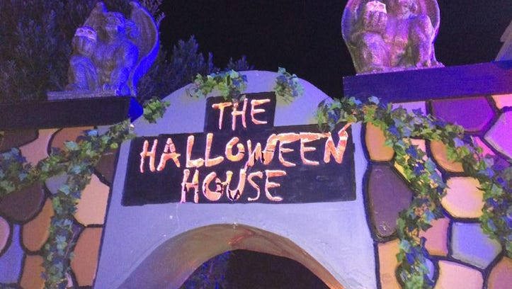 Halloween House of Gilbert