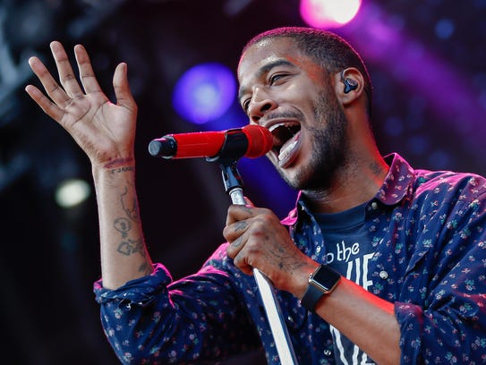Kid Cudi performs at the 2015 Lollapalooza  at Grant