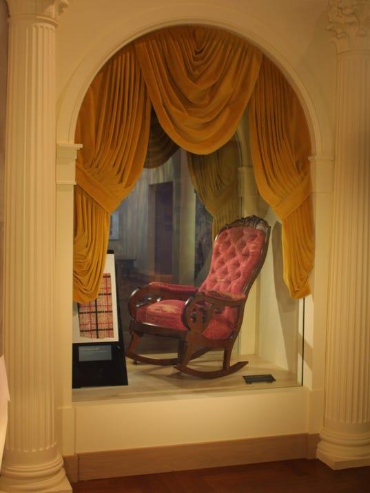 Lincoln Chair.JPG