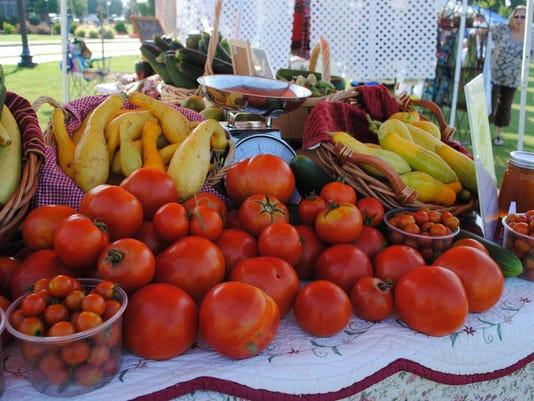 635773279474902790-farmersmarket