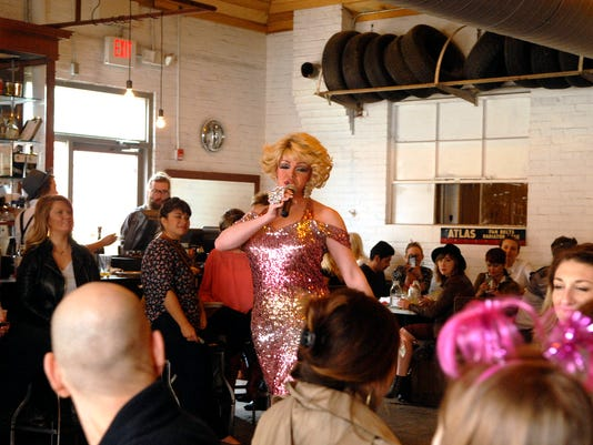 635939981605349529-0319-dragbrunch-12-mh.jpg