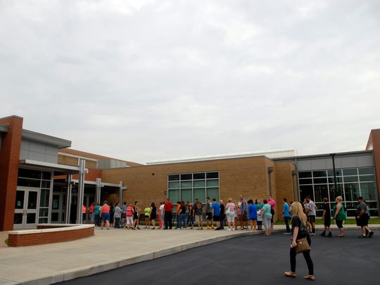 Hundreds of students recently lined up at Bullitt Central High School to receive their laptops.  To better prepare students for an increasingly digital world, Bullitt County Public Schools will this year provide laptops to every high school freshman, sophomore and junior.