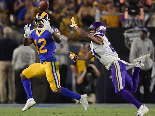 Vikings_Rams_Football_49398.jpg