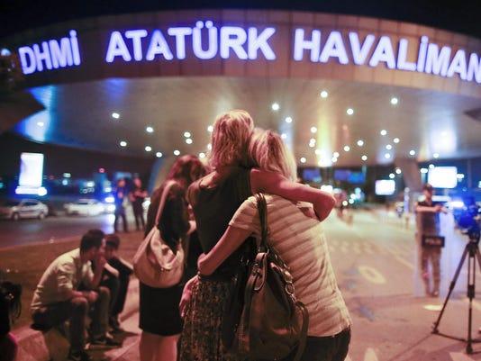 APTOPIX Turkey Airpor_Kell