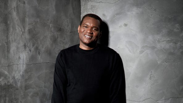 Robert Cray will lead the Robert Cray Band in a July