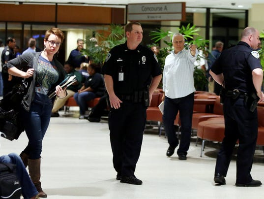 Tsa Union Wants Armed Officers At Airport Checkpoints