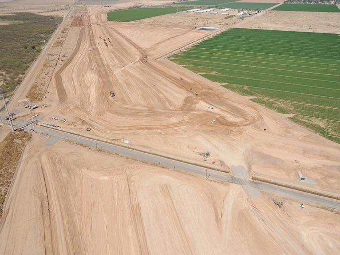 Loop 202 construction in May 2018 at Estrella Drive