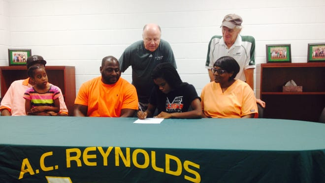 Reynolds senior Mariah Richardson has signed to run college track for Milligan (Tenn.).