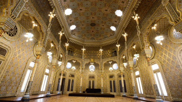 The amazing Arab room in the Palacio de Bolsa, in Porto,