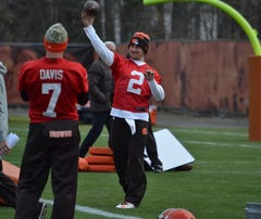 Browns coach Mike Pettine says he will be surprised if starting quarterback Johnny Manziel is not focused at practice.