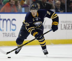 Eichel shines in return to Boston; Sabres win 6-3