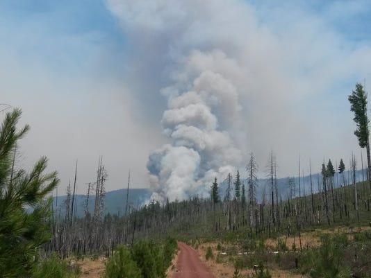 deschutes national forest fire