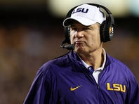 BATON ROUGE, LA - NOVEMBER 28:  Head coach Les Miles of the LSU Tigers look on during the game against the Texas A&M Aggies at Tiger Stadium on November 28, 2015 in Baton Rouge, Louisiana.  (Photo by Chris Graythen/Getty Images)