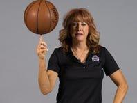 Nancy Lieberman coaching the Sacramento Kings
