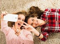Do selfies spread lice?