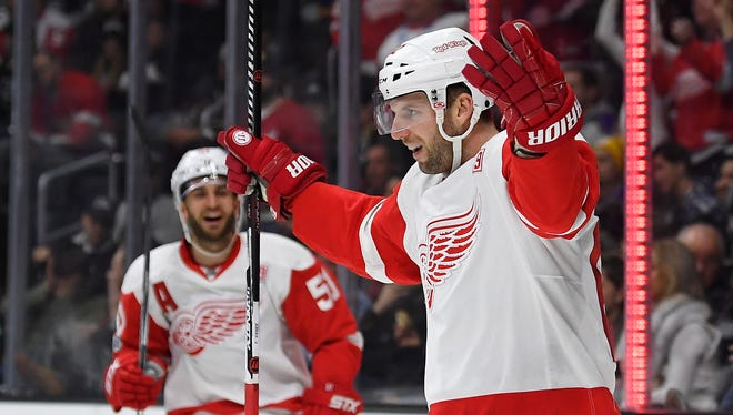 Red Wings left wing Thomas Vanek, right, celebrates his goal with center Frans Nielsen during the first period against the Los Angeles Kings, Thursday, Jan. 5, 2017 in Los Angeles.