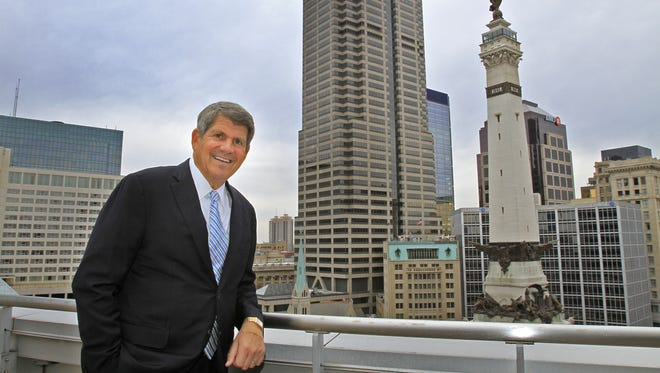 Emmis Communications CEO Jeff Smulyan wants to take his company private, but some shareholders oppose his offer.