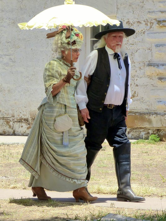 couple dressed for fort stanton live