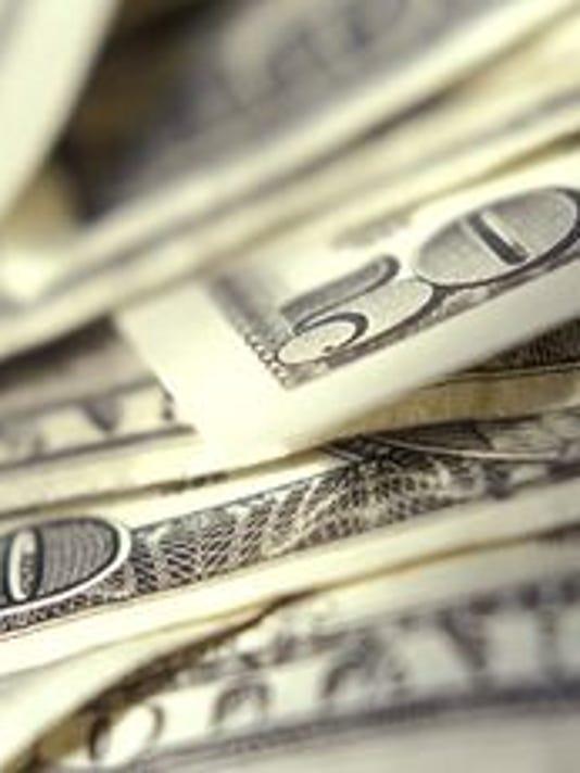635828475210648407-cash