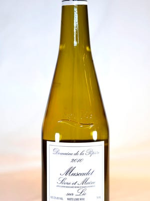 Muscadet, the wine for oysters, is also the wine for the pool or the pond.