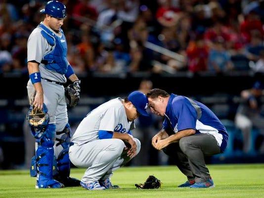 Dodgers Braves Baseball (2)