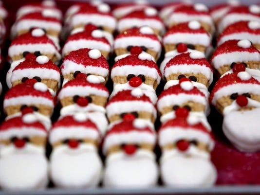 -APC n Holiday shopping at craft fair _rbp Jump 2.jpg_20121104 (2).jpg