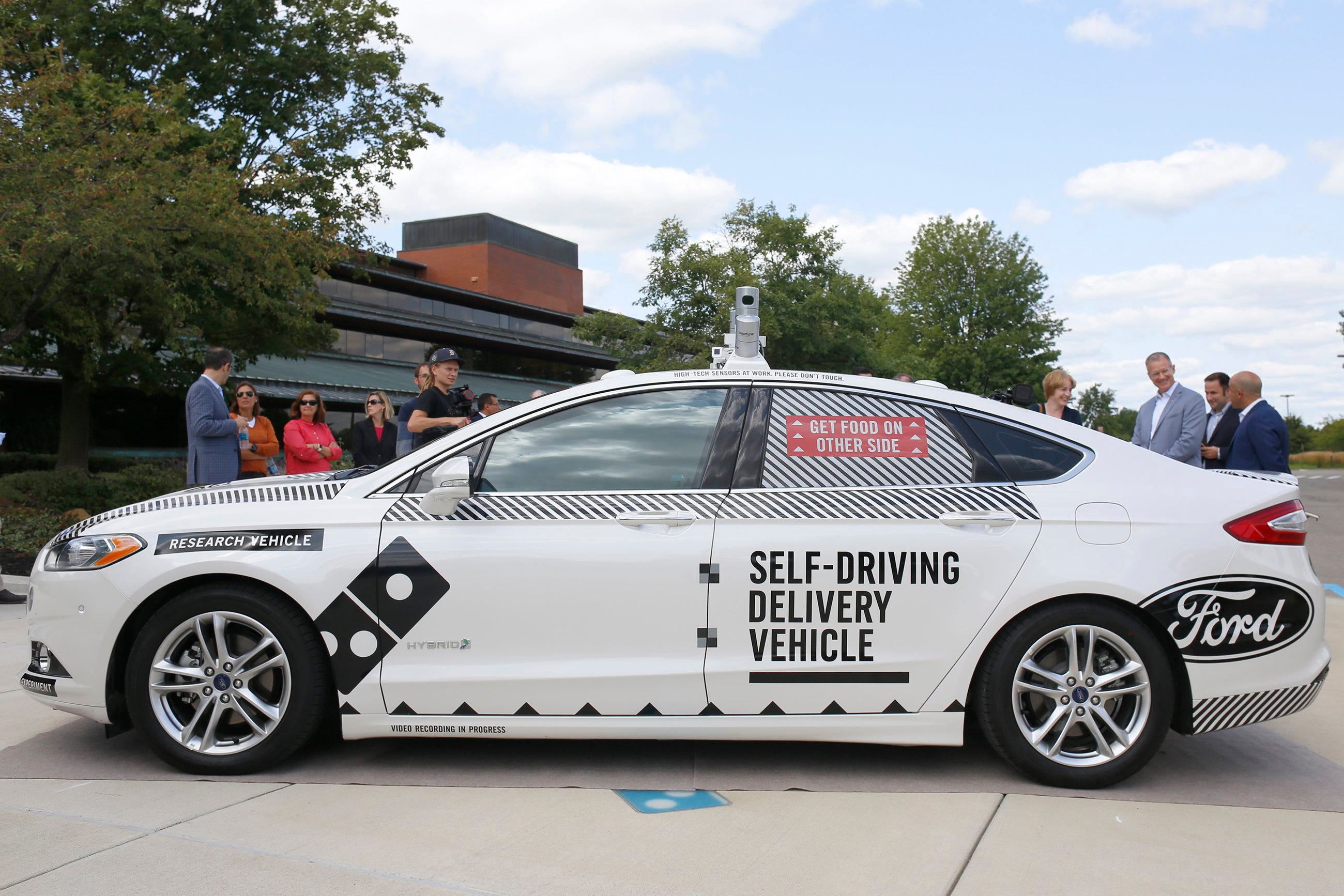 Domino\u0027s, Ford to test driverless pizza delivery in Ann Arbor