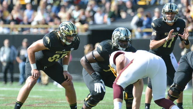 WMU tight end Donnie Ernsberger (85) lines up against Central Michigan on Oct. 10.