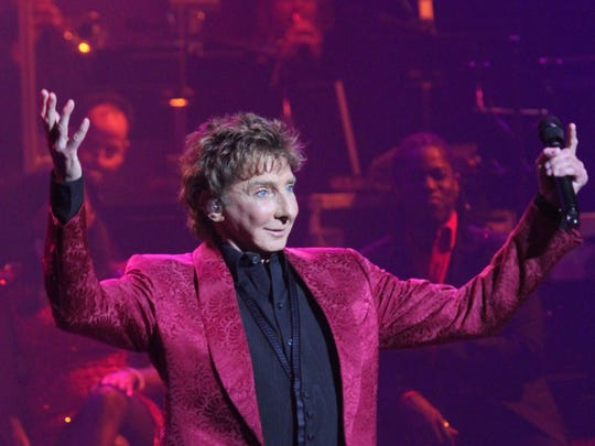 Barry Manilow on stage at a 2012 Gift of Love concert at the McCallum Theatre.
