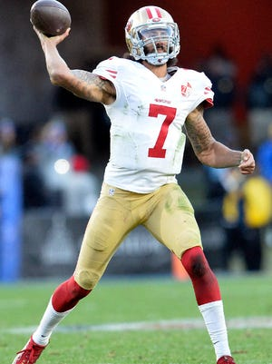 """Chiefs owner Clark Hunt says he would have """"no hesitation"""" signing QB Colin Kaepernick, but he doesn't expect the team will."""