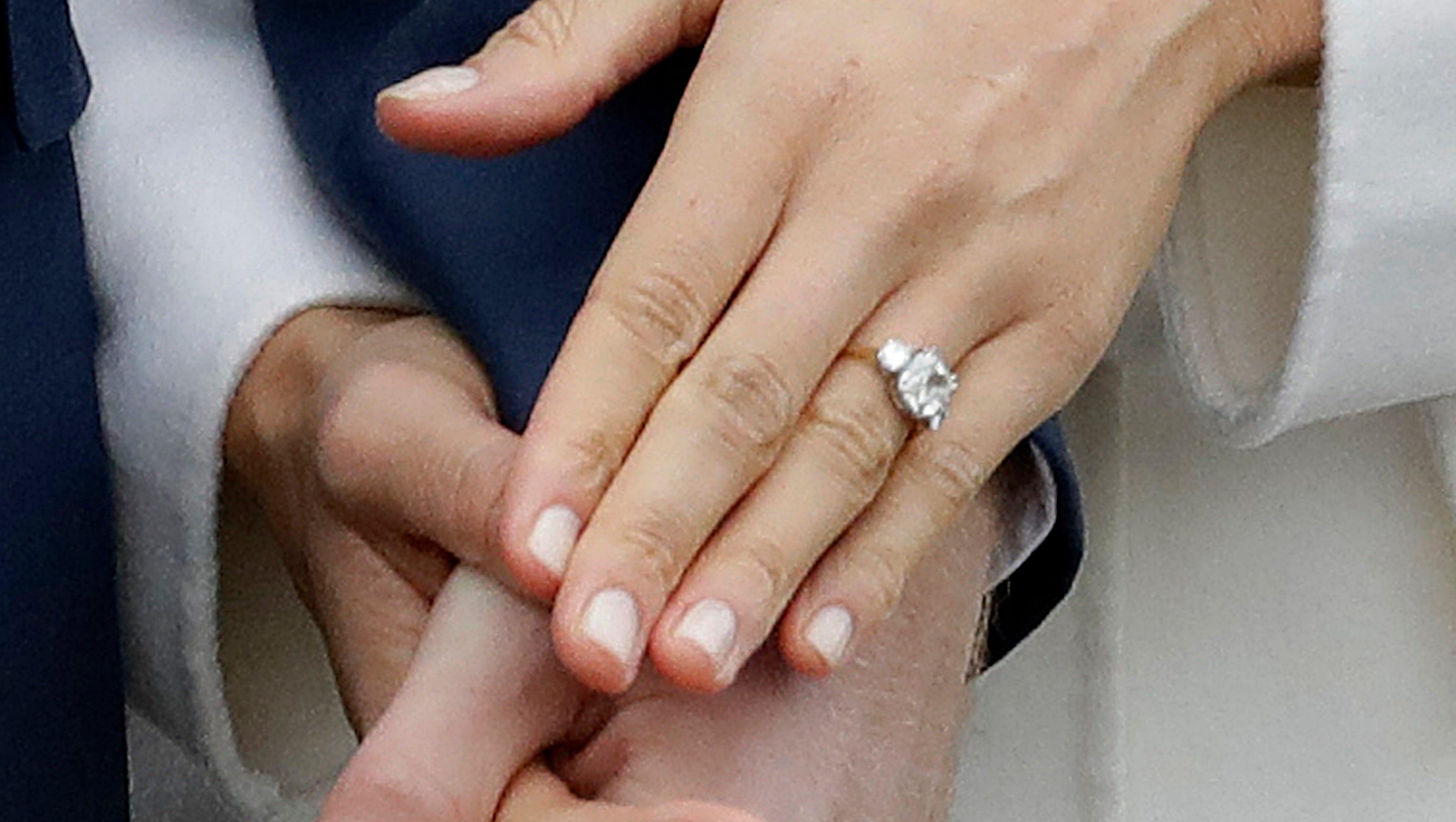 see meghan markles stunning engagement ring