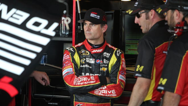 Jeff Gordon will start from the front Saturday night at Richmond International Raceway.