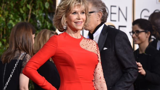 Jane Fonda arrives at the 72nd annual Golden Globe Awards at the Beverly Hilton Hotel on Sunday, Jan. 11, 2015, in Beverly Hills, Calif.