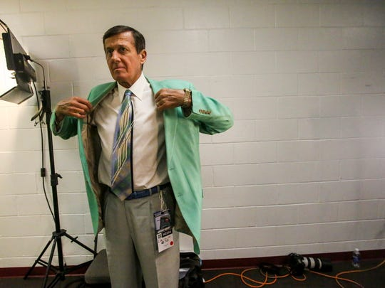 Craig Sager, NBA sideline reporter for Turner Sports, died Thursday, the network announced.Sager, 65, battled a rare form of cancer for more than two years, undergoing multiple rounds of chemotherapy and other treatments. He worked for Turner Sports for 34 years, making a name for himself with his colorful suits and oft-stilted interviews with longtime San Antonio Spurs coach Gregg Popovich during TNTÕs NBA broadcasts. Sager puts on his green jacket before heading out to the court to work. He worked the Chicago Bulls at Miami Heat game on Thursday, April 7, 2016.