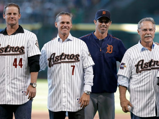 Former Astros players Roy Oswalt (44), Craig Biggio