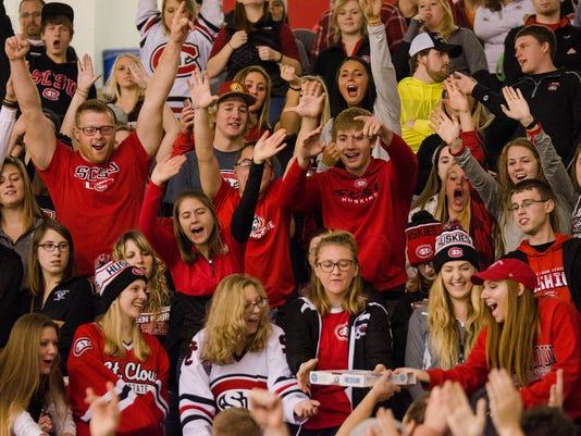 Husky Hockey Fans
